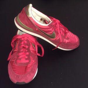 Nike Internationalist Red Sneakers